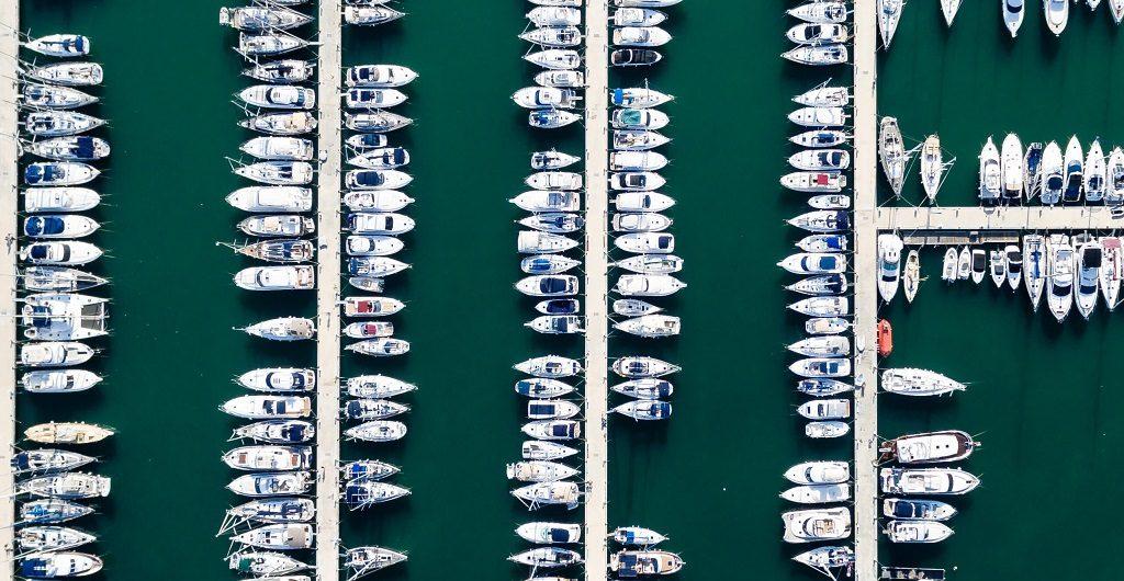Sortieren - auf dem Weg zur Struktur, hier am Foto-Beispiel eines Yachthafens