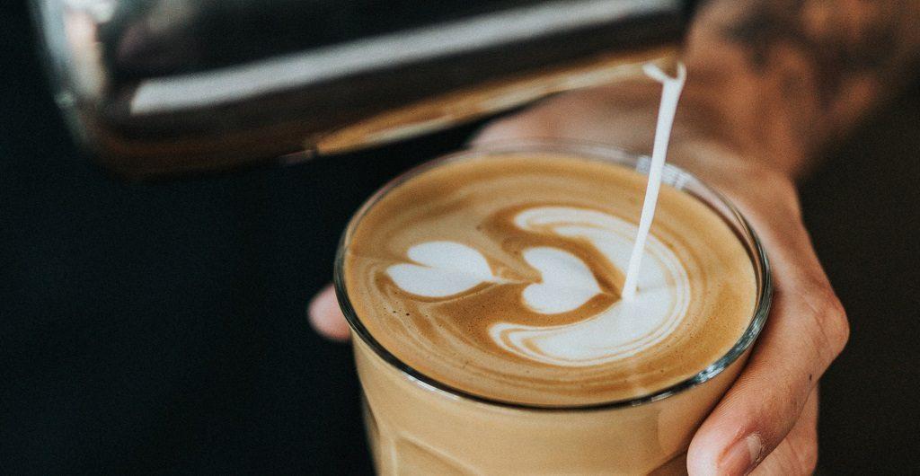 Freitagnachmittag - Milchkaffee im Büro oder auswärts?